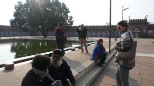 Sur le parvis de la Mosquée, avec Devilal Patidar