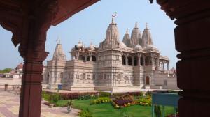 Nous rentrons vers Calcutta, deuxième temple, toutneuf , en pierre