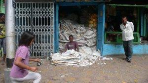 vendeur de sacs de pommes de terre