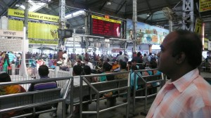 Gare de Calcutta, Howrah Station départ pour Santiniketan